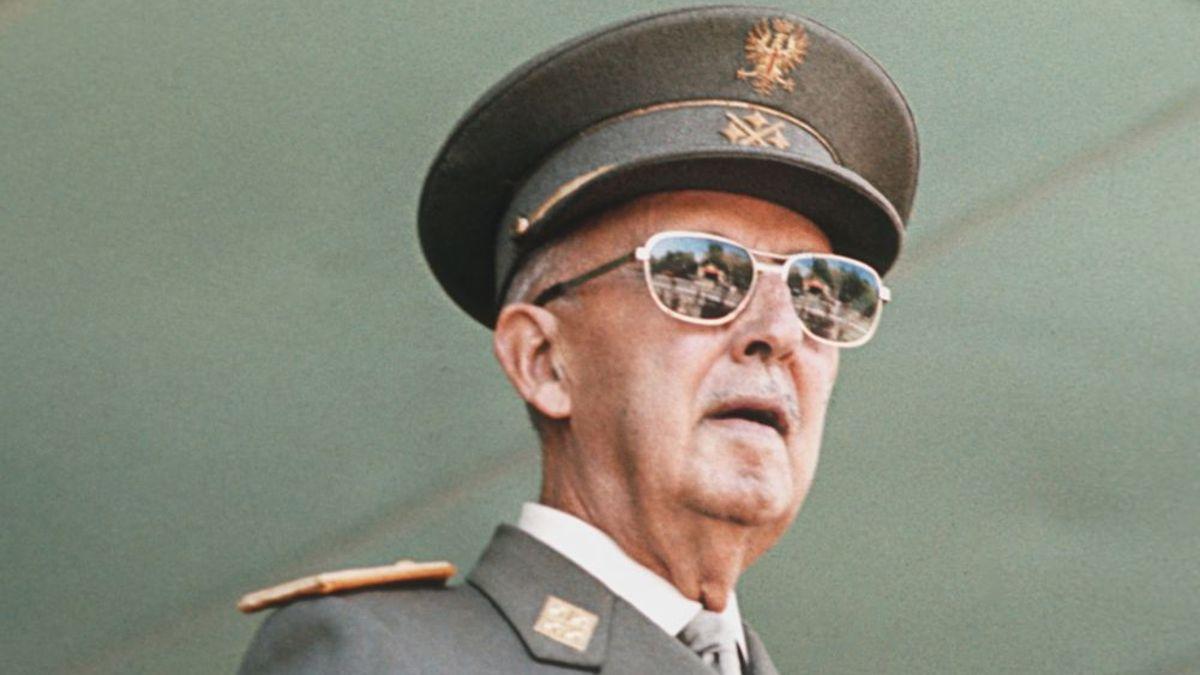 El 20 de noviembre de 1975 muere Francisco Franco