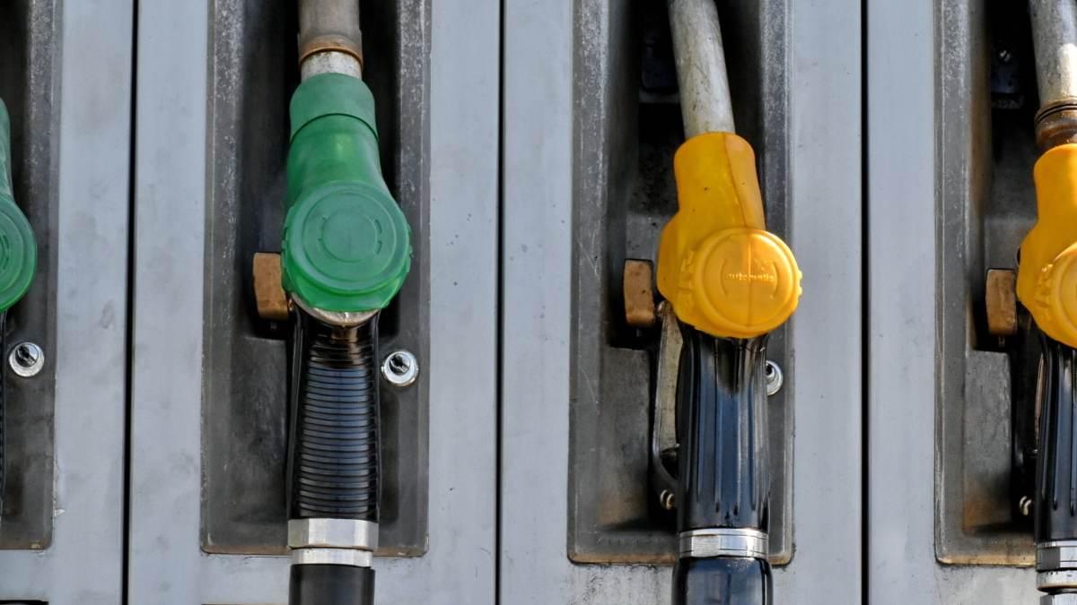 El consumo de gasolina se hunde un 30% en el peor mes de enero de los últimos 48 años