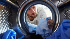 Descubre cómo evitar que la ropa destiña en la lavadora