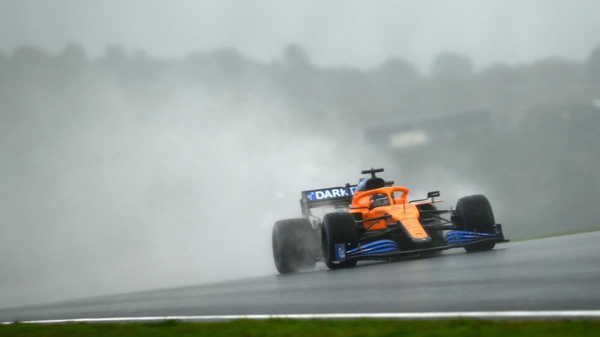 Carlos Sainz durante la sesión de clasificación para el Gran Premio de Turquía. (AFP)