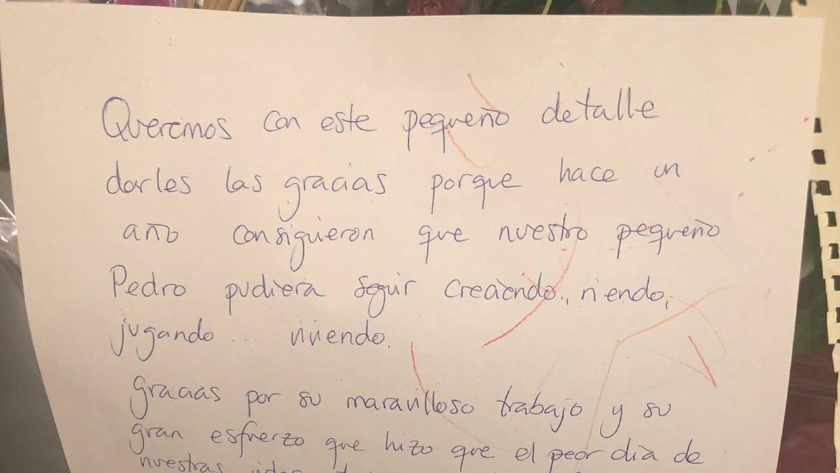 Twitter: Emotiva carta de agradecimiento de unos padres a los sanitarios por salvarle la vida a su hijo