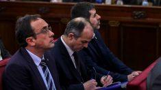 Rull, Turull y Sánchez, durante el juicio del 1-O en el Supremo. (Foto: EP)