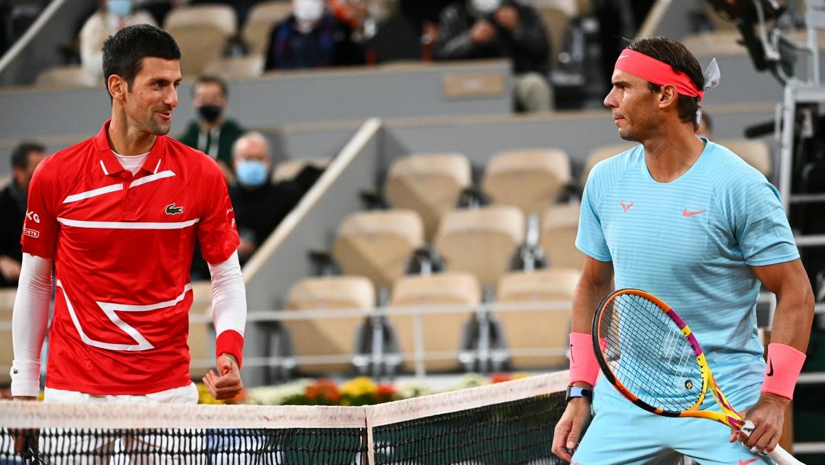 Djokovic y Nadal, en la final de Roland Garros. (AFP)