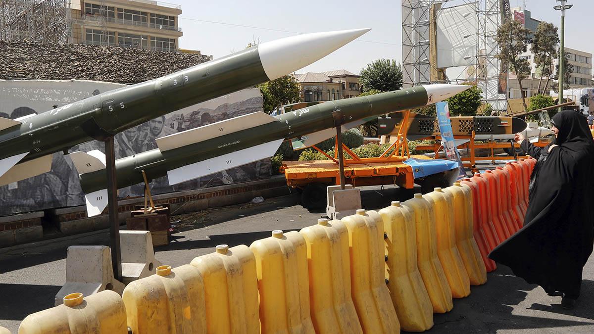 Exhibición de misiles Taer-2 de la Gurdia Revolucionaria Iraní en Teherán el pasado septiembre durante la Semana de la Defensa celebrada con motivo del 39 aniversario de la revolución.