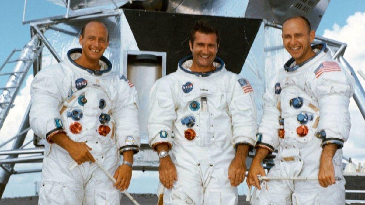 El 24 de noviembre de 1969, el Apolo 12 regresa a la Tierra