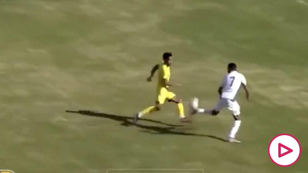 La jugada maradoniana de Mahrez con Argelia.
