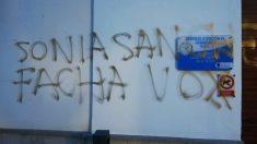 Pintada amenazante contra la portavoz de Vox Las Gabias.