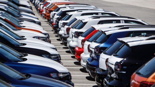 Volkswagen, Mercedes y Seat acumulan más de 11.000 coches sin terminar por la falta de piezas