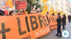 Manifestación de la escuela concertada contra la Ley Celaá en el Congreso