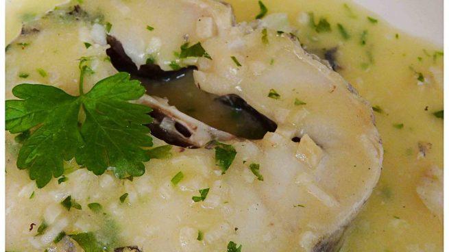 Lomos de merluza al microondas en salsa de perejil