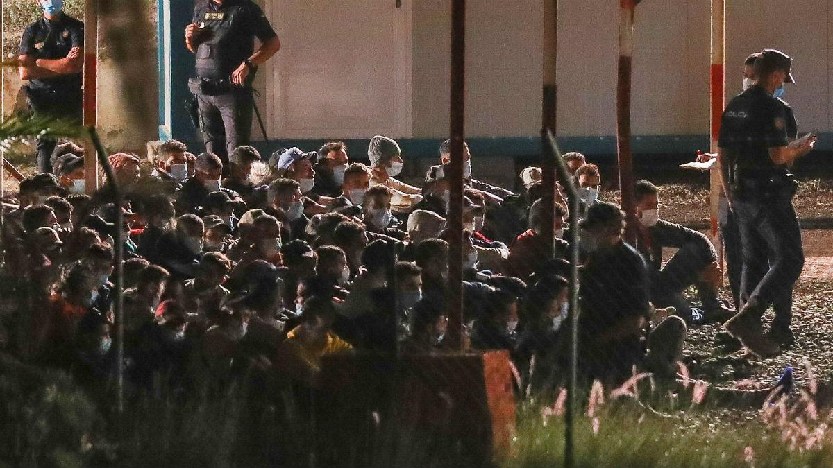 Inmigrantes en Canarias. (Foto: EFE)