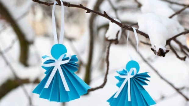 Decoración de Navidad: Cómo hacer un ángel de papel con los niños