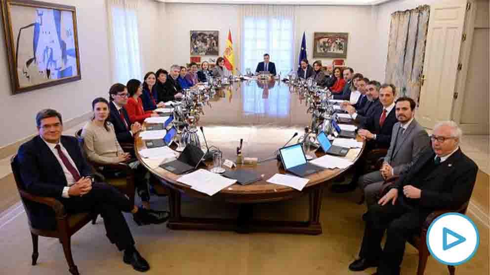 El Gobierno en pleno, reunido en un Consejo de Ministros.