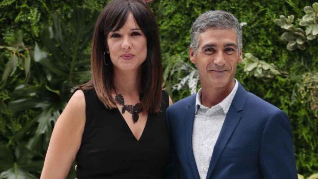 Mónica López, en su etapa de presentadora de El Tiempo, junto a Albert Barniol.