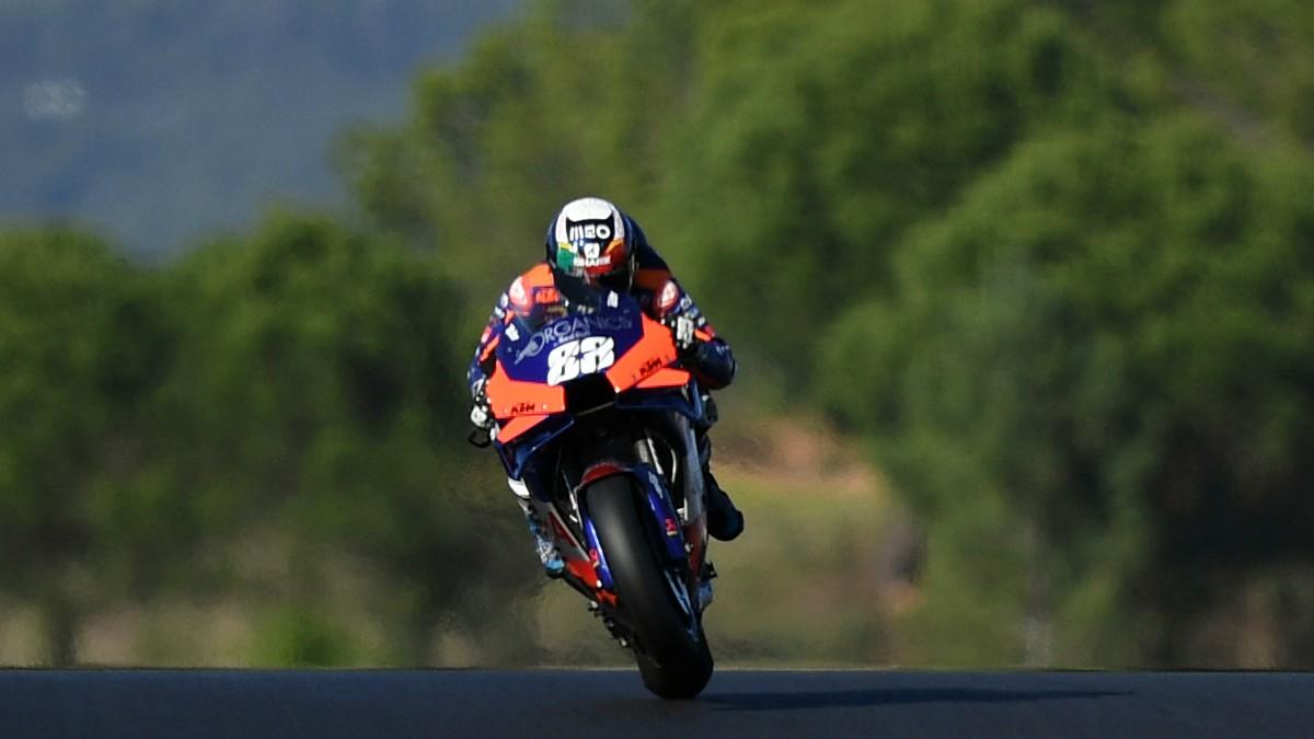 Miguel Oliveira durante el GP de Portugal de MotoGP. (AFP)