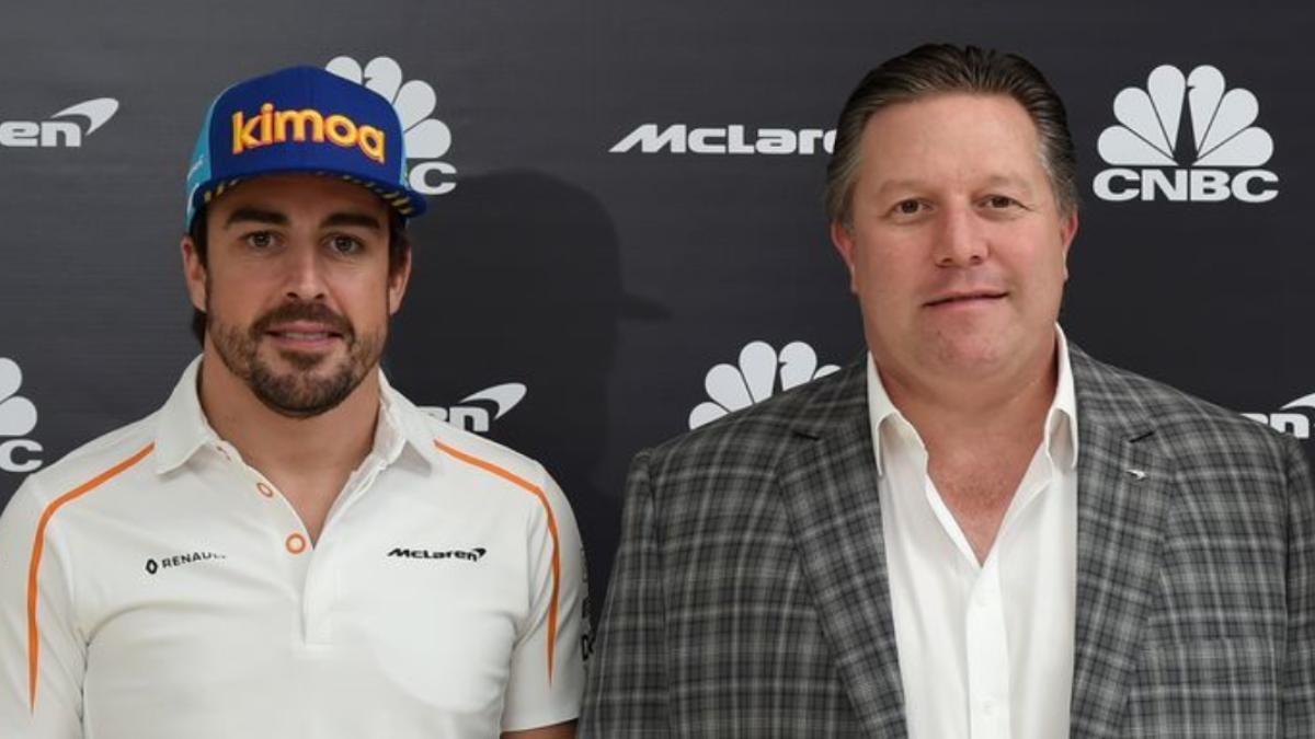Fernando Alonso y Zak Bwown. (Getty)