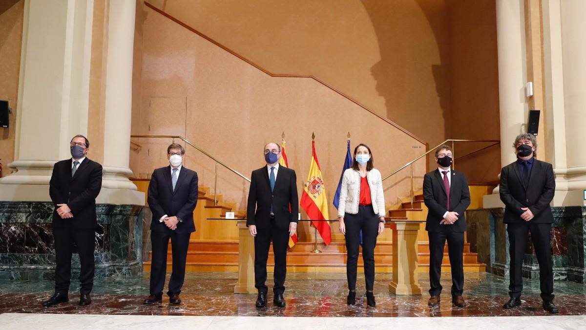 La ministra de Industria, Comercio y Turismo, Reyes Maroto, preside la Mesa de la Automoción