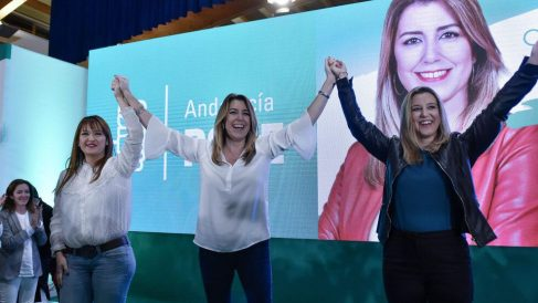 Susana Díaz junto a la actual alcaldesa socialista de Alcalá de Guadaíra.