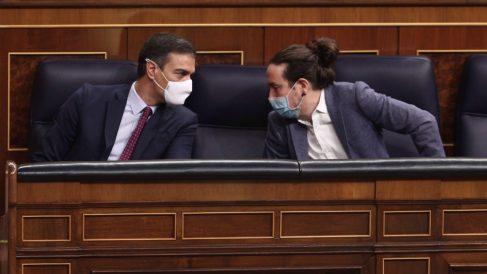 Pedro Sánchez y Pablo Iglesias en el Congreso de los Diputados. (Foto: EP/Pool)