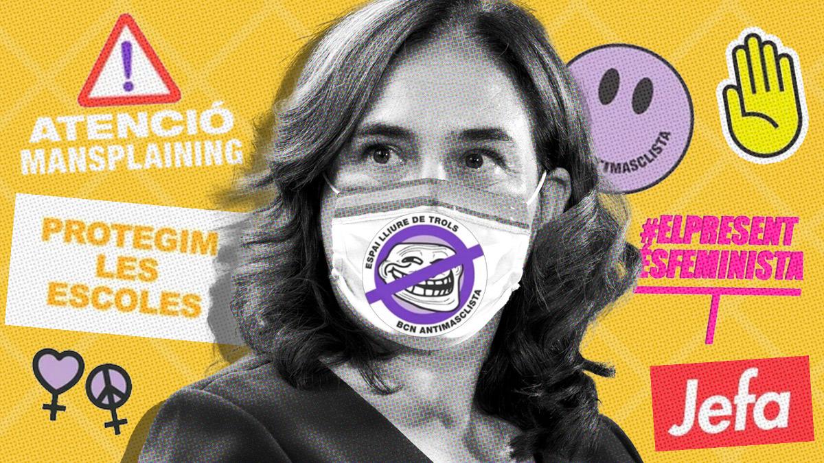 Ada colau junto algunos de sus 'stickers'