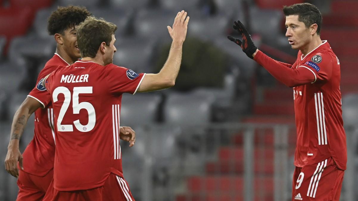 Los jugadores del Bayern celebran un gol contra el Salzburgo. (AFP)