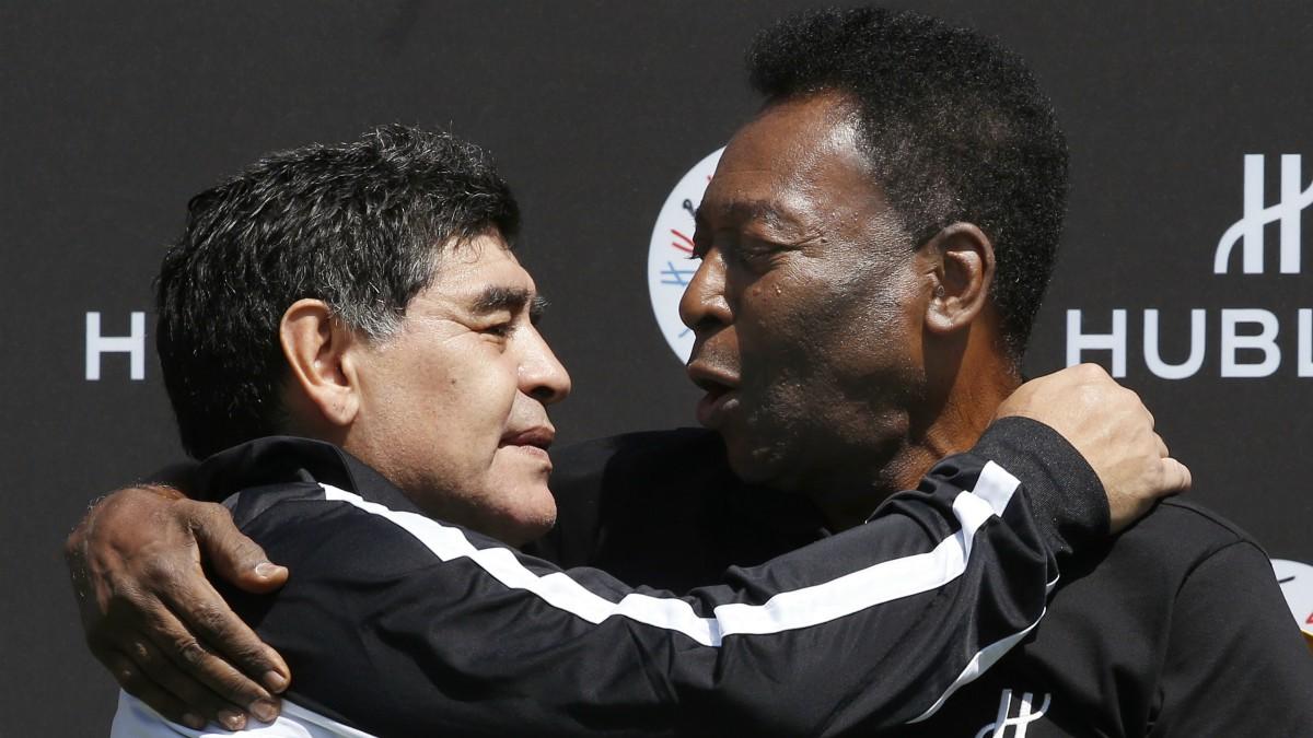 Maradona y Pelé. (AFP)