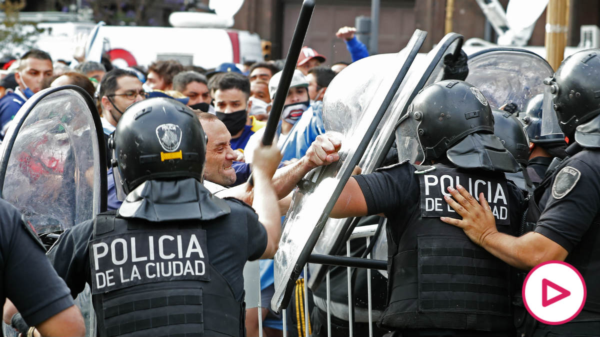 Sigue en streaming el velatorio de Diego Armando Maradona. (AFP)