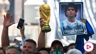 Cientos de miles de personas despidieron a Maradona en Buenos Aires.