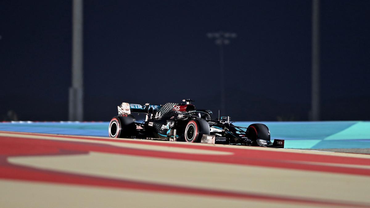 Lewis Hamilton durante la clasificación para el Gran Premio de Baréin. (AFP)