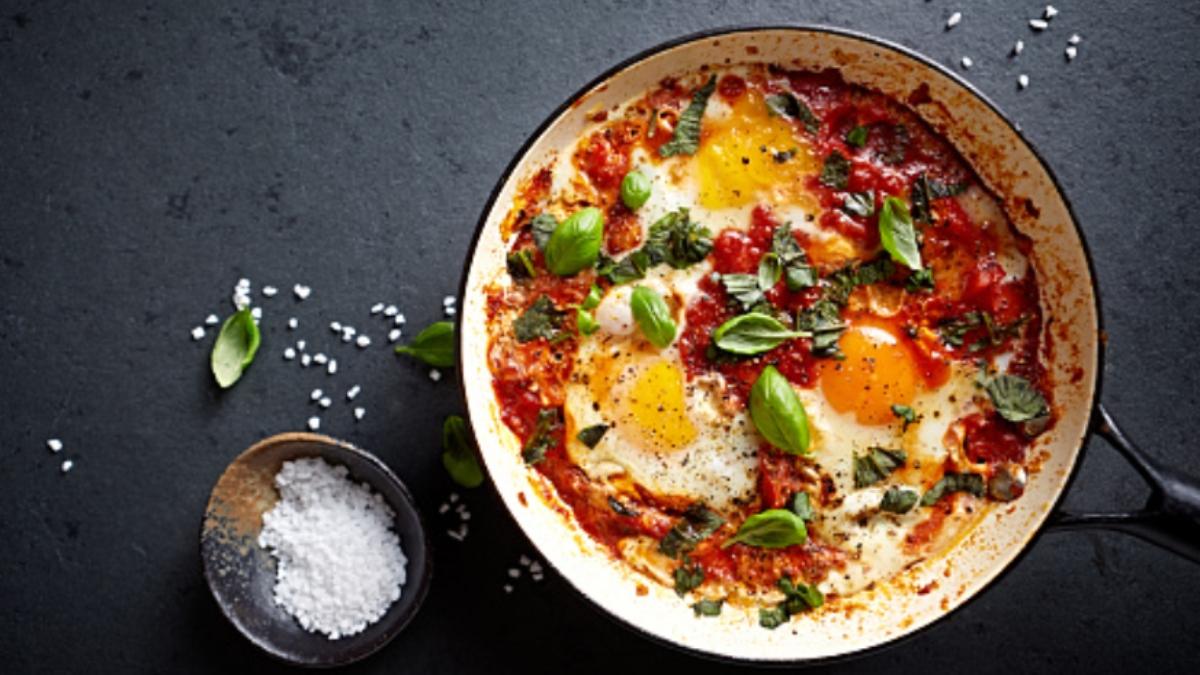 Huevos al plato paso a paso