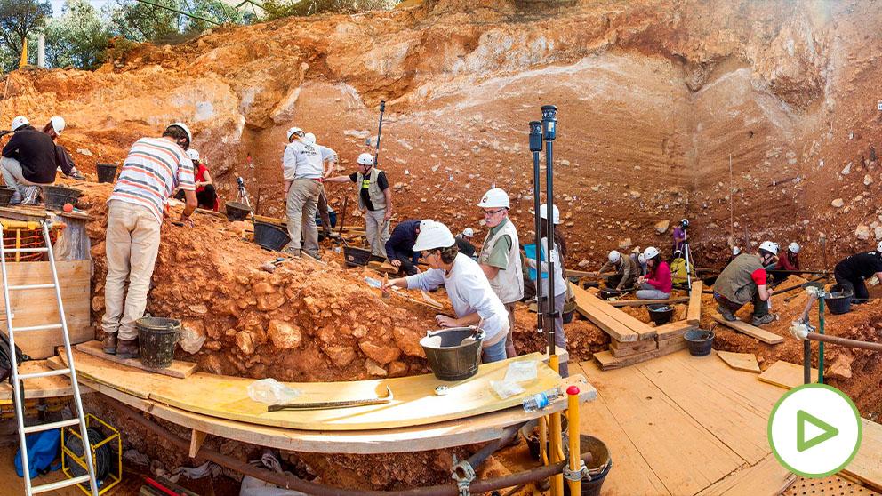 Trabajadores en el yacimiento de Atapuerca