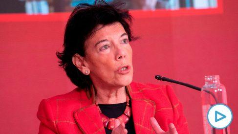 La ministra de Educación, Isabel Celaá, en el acto de este domingo en Ferraz. (Foto/vídeo: Europa Press)