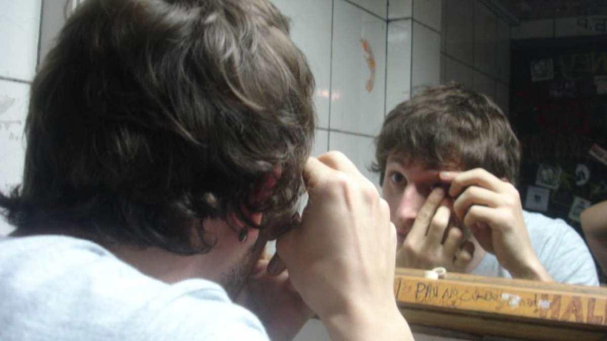 Cómo echarse gotas en los ojos correctamente