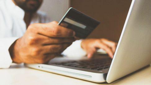 El alza en las compras 'online' aumenta en 2020 por el covid pero el gasto medio se mantiene