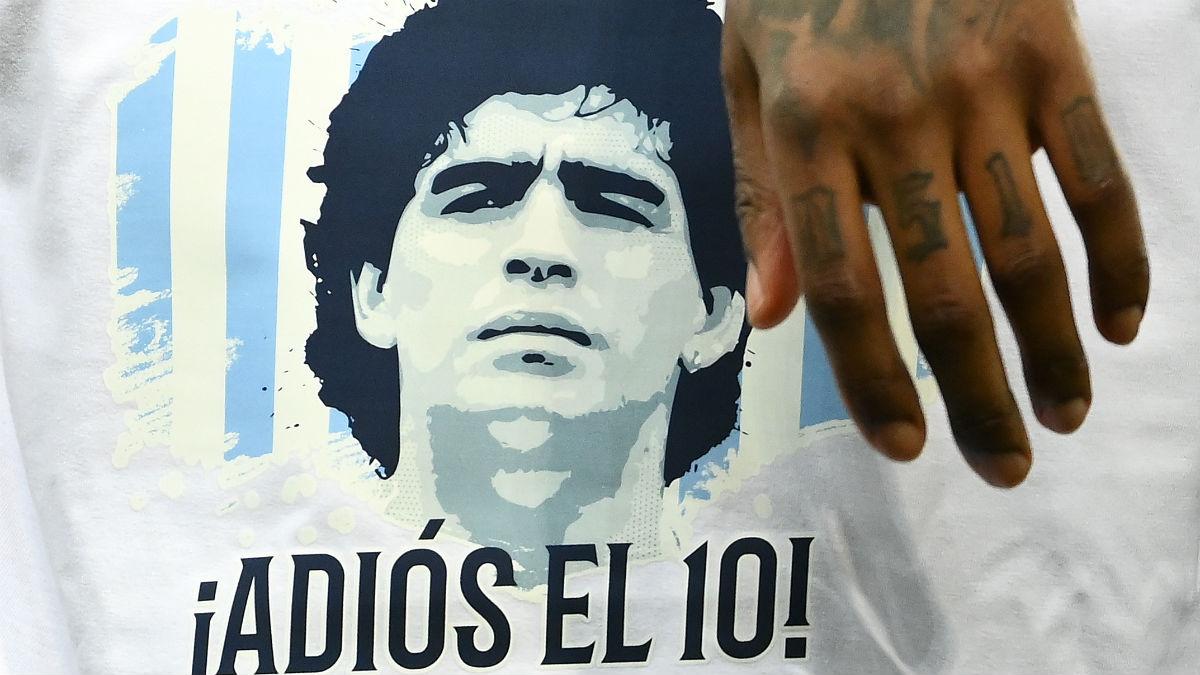 Una imagen de Maradona en uno de sus múltiples homenajes. (AFP)