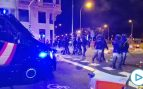 La Policía carga contra los radicales que levantan barricadas y queman contenedores en la Gran Vía de Madrid
