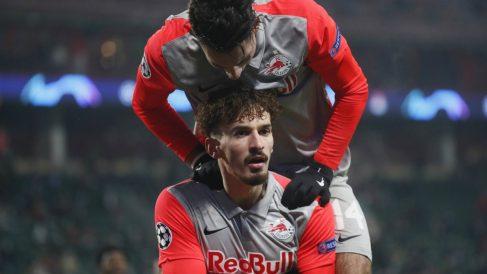 Berisha celebra uno de sus goles al Lokomotiv. (AFP)