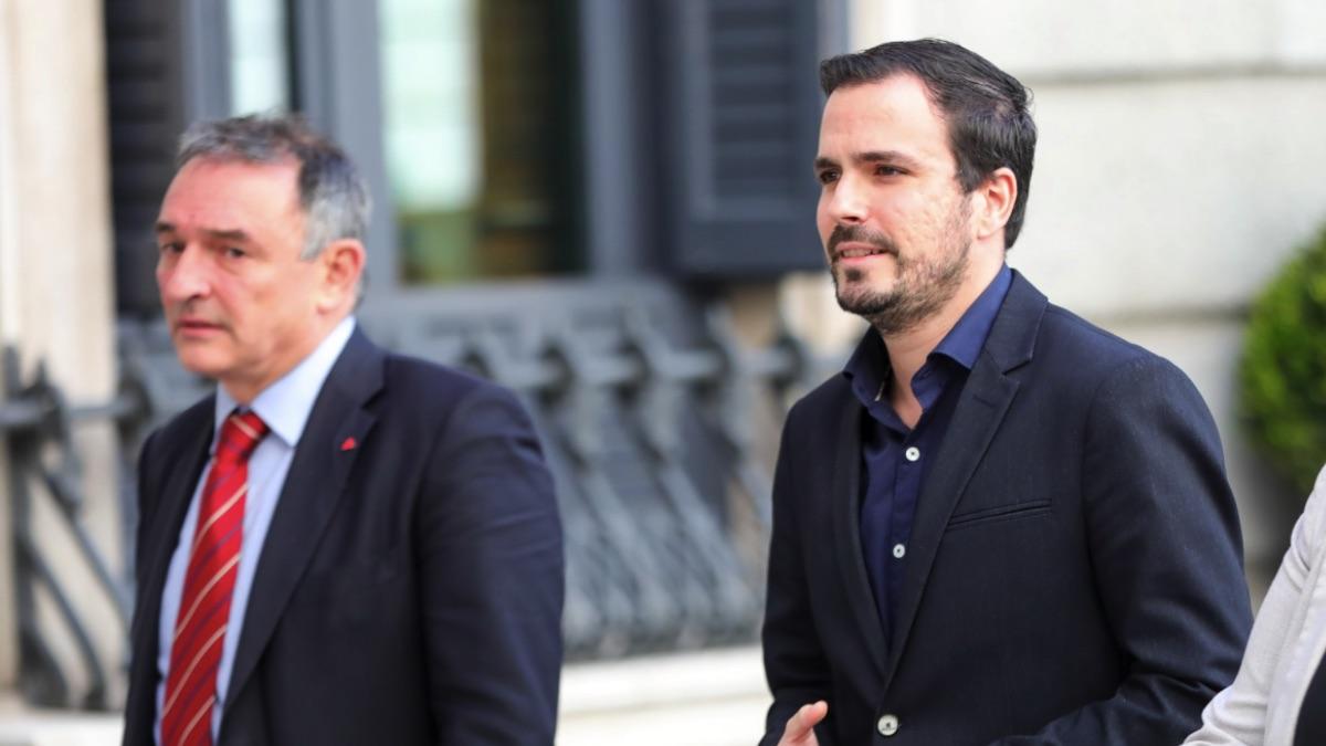Enrique Santiago y Alberto Garzón en el Congreso de los Diputados. (Foto: EP)