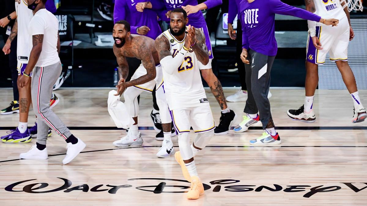 LeBron James, en un partido con los Lakers. (Getty)