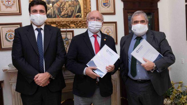 AMA Vida firma con el Colegio de Médicos de Huelva la póliza colectiva de Vida