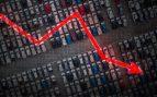 Los concesionarios venderán 160.000 coches menos por el hachazo fiscal que disparará los precios