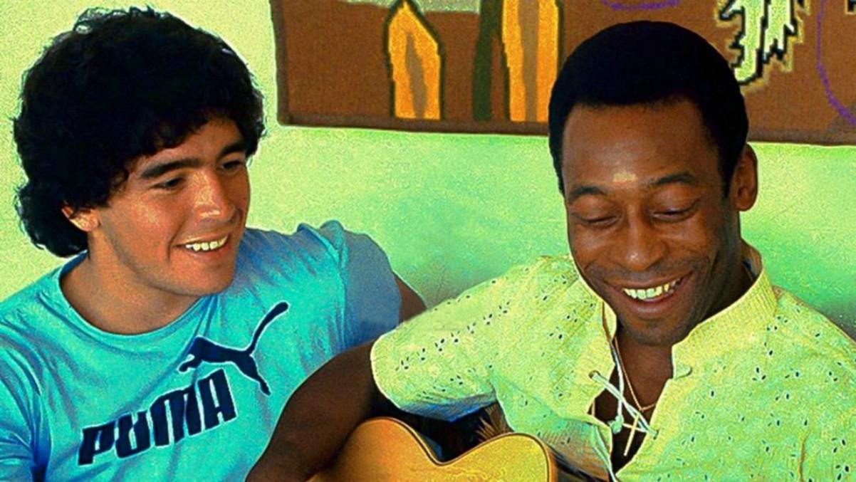 Pelé y Maradona, en una imagen subida por el astro brasileño a Instagram.