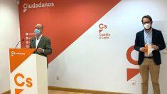 Los concejales de Ciudadanos en el Ayuntamiento de Valladolid Martín Fernández Antolín (izq) y Pablo Vicente de Pedro (dcha). (Foto: Europa Press)