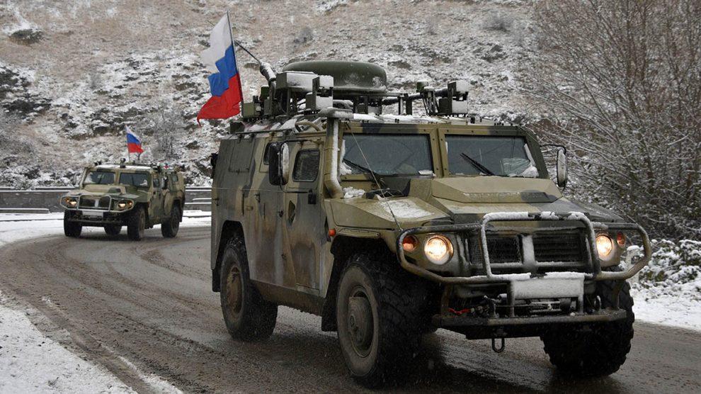 Tropas rusas del contingente de paz enviado a la región de Ngorno-Karabaj.