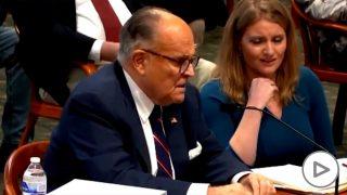 Rudy Giuliani se tira un pedo