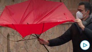 pedro sánchez paraguas