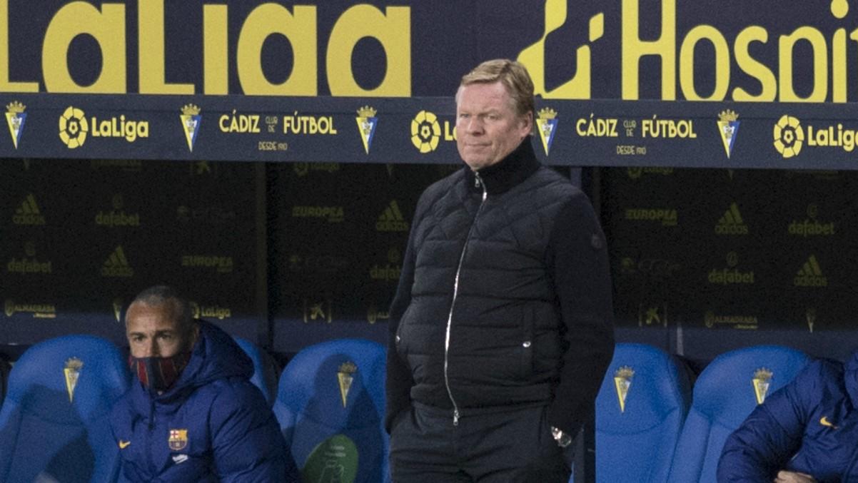 Ronald Koeman durante el Cádiz-Barcelona. (AFP)