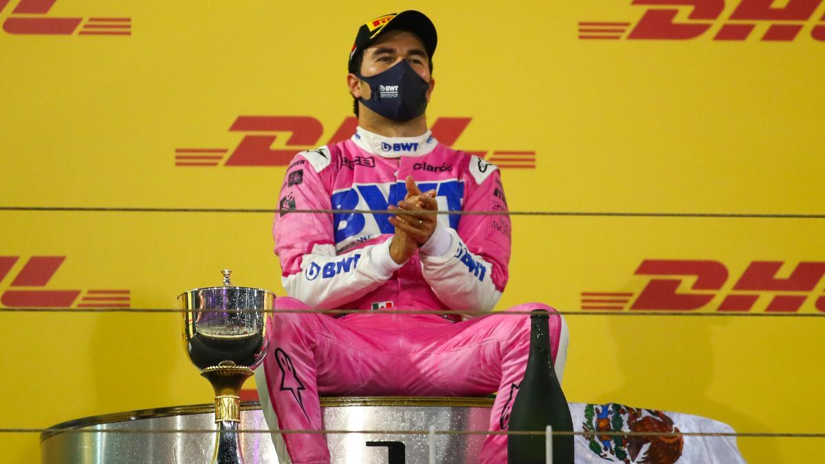 Sergio Pérez tras su victoria en el Gran Premio de Sakhir. (AFP)