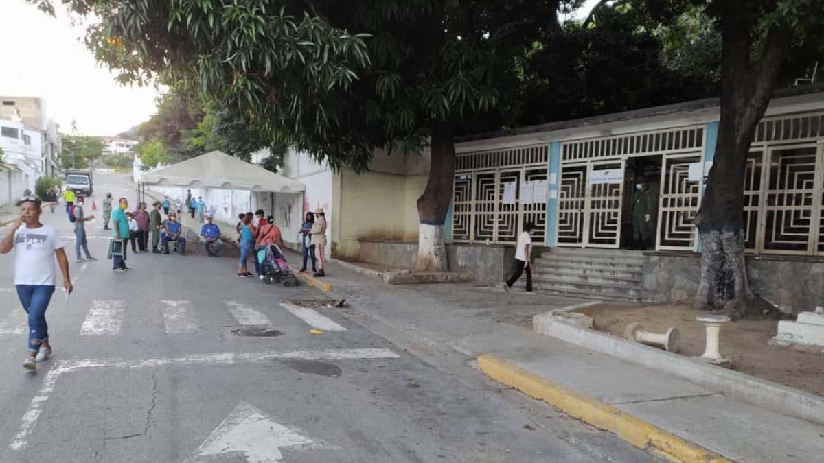 Un centro de votación vacío en Venezuela. Foto: @JuanGuaido