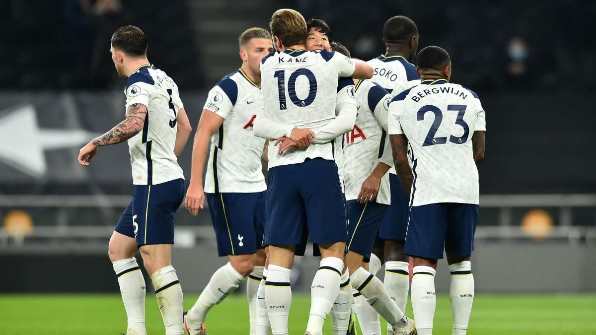 Los jugadores del Tottenham celebran el tanto de Kane. (Getty)